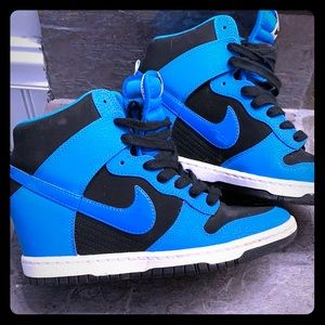 Women's Nike sky high Dunks size 7.5